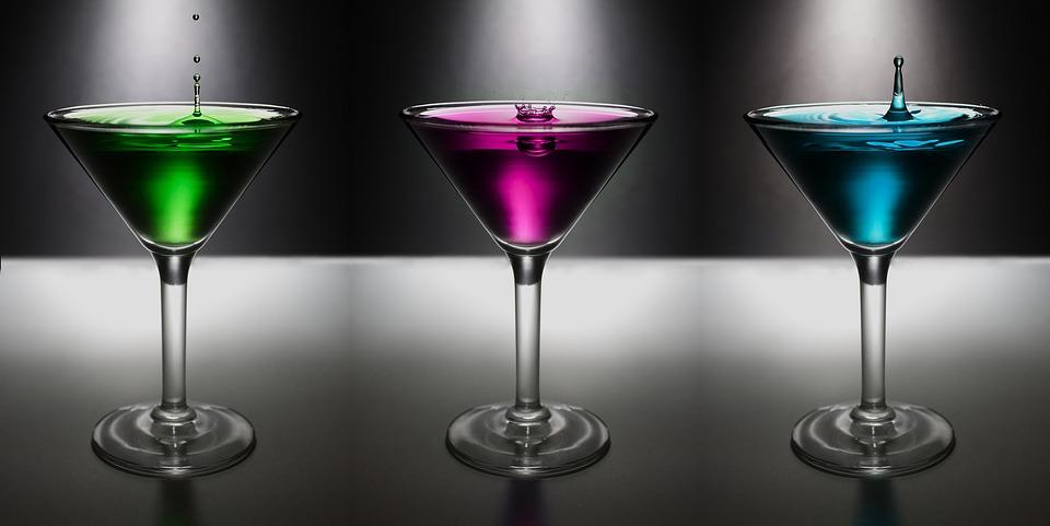 několik drinků